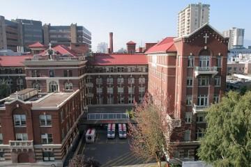 St. Paul's Hospital 01_jpg