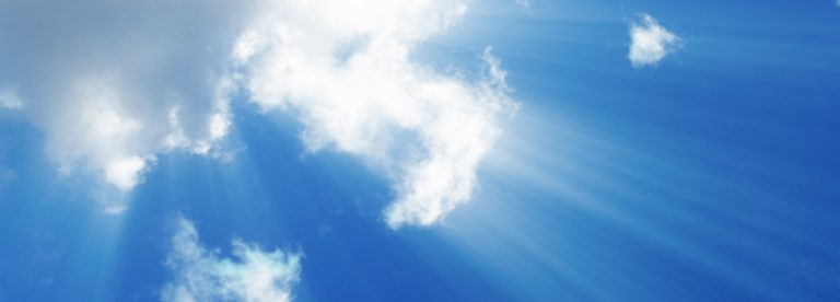 Clouds-and-light-rays-1